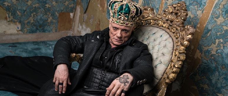 Riccardo va all'inferno, il musical dark e psichedelico della regista Roberta Torre